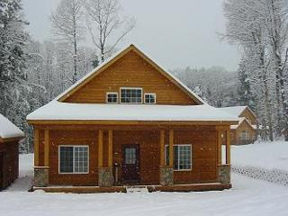Awesome Cabin, Hot Tub, 2BR, Large Open Loft, Slps7, Book & Save in Oct!! - Ronald vacation rentals