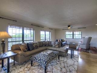 Perfect House with Deck and Television - Dulce vacation rentals