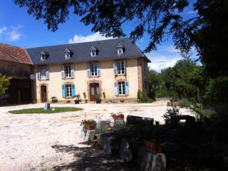 La Douce Folly Farm - Sleeps 10+ - Galan vacation rentals