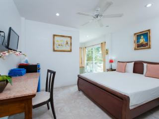 Peaceful Studio - Close to beach! - Patong vacation rentals
