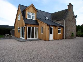 Adorable House with Satellite Or Cable TV and Microwave - Ballater vacation rentals