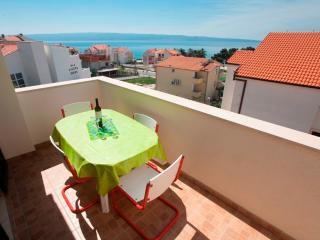 Apartment Podstrana Trešnja - Podstrana vacation rentals