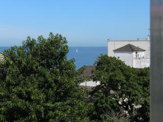 Charming studio, 2mn beach Ipanema, best location! - Rio de Janeiro vacation rentals