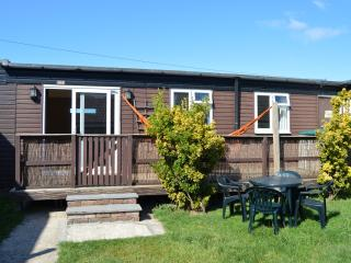 Nice Chalet with Deck and Internet Access - Earnley vacation rentals