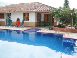 SAFE, RELAXING CHALET FOR 10 IN ARMENIA, COLOMBIA! - Armenia vacation rentals