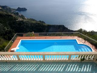 Villa Signori - Super Views, Pool, Lush Gardens, Great Amalfi Coast Location - Amalfi vacation rentals
