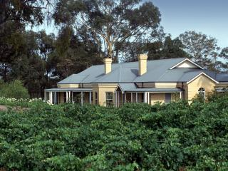 Vinden Estate Homestead. Stay on a vineyard/winery - Pokolbin vacation rentals