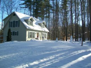 Gilford N.H. Private beach and close to skiing  Gunstock mountain- Restaurants-Shopping Malls- sleeps 10 - Lakes Region vacation rentals
