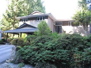 GARDEN LEVEL SUITE on the beautiful NORTH SHORE - North Vancouver vacation rentals