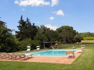 5 bedroom Apartment in Manciano, Maremma, Tuscany, Italy : ref 2294068 - Marsiliana vacation rentals