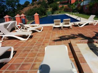 Super cozy apartment with pool & sea view - Marbella vacation rentals