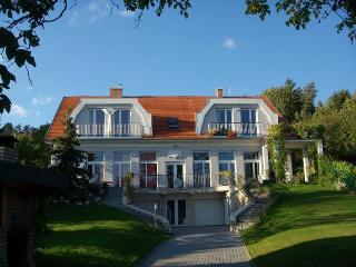 Perfect 2 bedroom Condo in Zebegeny - Zebegeny vacation rentals
