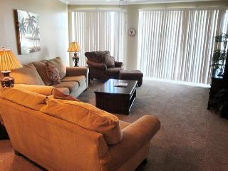 Beautiful 2-BR/2-BA Condo at Legacy Towers. King/Queen, Wifi - Gulfport vacation rentals