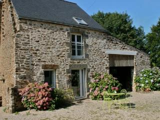 Lovely Gite with Internet Access and Television - Pleudihen-sur-Rance vacation rentals