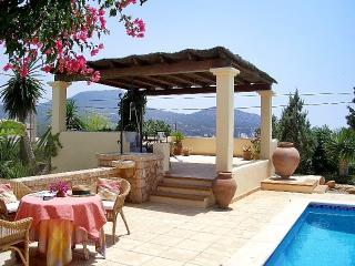 Cozy 3 bedroom Cala Carbo Villa with Deck - Cala Carbo vacation rentals