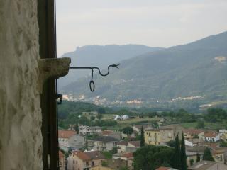 B&B Il Minotauro appartamenti terrazzo o stalletta - Pratola Peligna vacation rentals