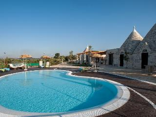 VILLA FANELLI luxury Trulli With Pool And Tennis Court - Galliera Veneta vacation rentals
