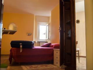 """""""La Piazza"""" appartamento - Bergamo vacation rentals"""
