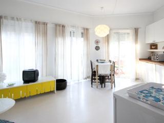 Romantic 1 bedroom Condo in A dos Cunhados - A dos Cunhados vacation rentals