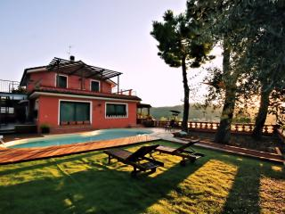 SPLENDIDA VILLA AGATA - Imperia vacation rentals