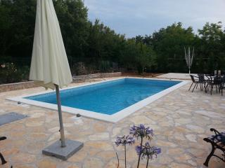 2 bedroom Apartment with Internet Access in Njivice - Njivice vacation rentals