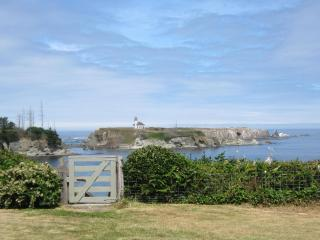 Lighthouse Way Oceanfront Vacation Home. View! - Coos Bay vacation rentals