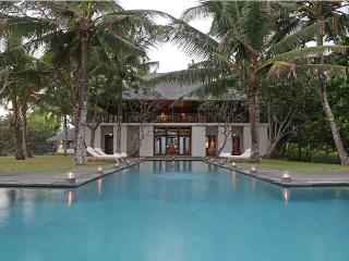 Villa Lalang, Beachfront 4 bedroom, Balian Beach - Tabanan vacation rentals