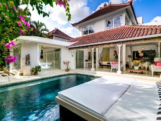 Esha Drupadi II By Bali Villas Rus - White Modern Villa Close to Seminyak - Seminyak vacation rentals