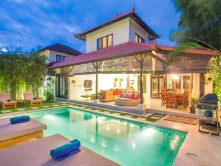 4Bdr Seminyak Villa + Pool + 5min to Beach. - Seminyak vacation rentals
