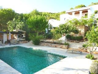 4 bedroom Finca with Deck in Sant Carles de Peralta - Sant Carles de Peralta vacation rentals