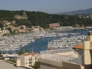 T3  3*** vue mer piscine tennis proche CIN et IMS - Saint-Mandrier-sur-Mer vacation rentals