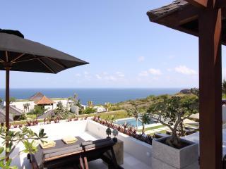 Villa Mewah Angin laut - 4 BR Luxury overlooking to Pacific Ocean - Ungasan vacation rentals