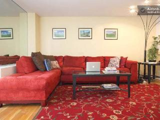 Massive! 1 Bedroom / Elevator /Sleep 4 - New York City vacation rentals
