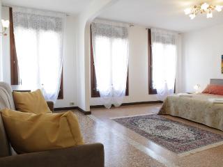 Rialto Pearl - Venice vacation rentals