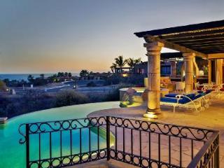 Ocean view Villa Gracia- near beach, infinity pool & ensuite pool- jacuzzi - Cabo San Lucas vacation rentals