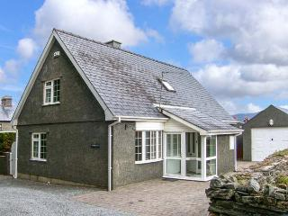 Y BARLLAN, enclosed garden, popular location, family-friendly cottage near Portmeirion, Ref. 915299 - Penrhyn Deudraeth vacation rentals