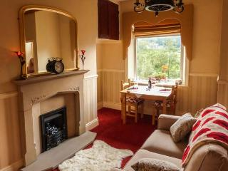 COTTAGE IN THE SKY, end-terrace cottage, pet-friendly, near Hebden Bridge, Ref 913519 - Luddenden Foot vacation rentals