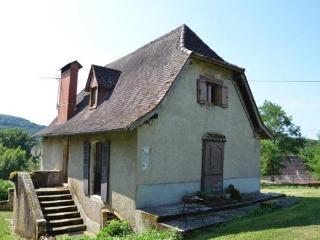 Cozy 2 bedroom Figeac House with Long Term Rentals Allowed - Figeac vacation rentals