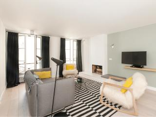 Modern two-bedroom on Ile-de-la-cité - Paris vacation rentals
