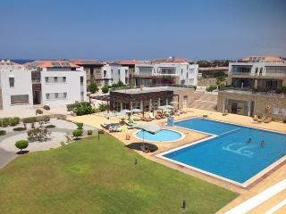 Apartment in a complex near the sea - Tatlisu vacation rentals