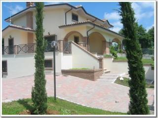 Cozy 2 bedroom Fiano Romano Villa with Mountain Views - Fiano Romano vacation rentals