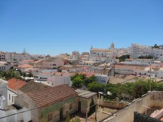 Typical house w/ garden on rooftop - Albufeira vacation rentals