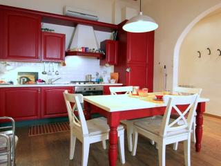 Brunelleschi Dome Apartment - Florence vacation rentals