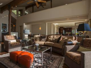 Lake View Home in Prestigious Neighborhood with Hot tub - Lake Tahoe vacation rentals