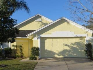 631009 - Cozy 3BR/2B Pool Home In Lindfields Community - Four Corners vacation rentals
