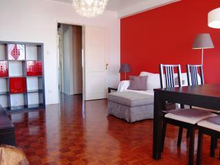 charming apartment close to carcavelos beach - Carcavelos vacation rentals