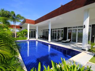 King Pool & Jacuzzi Villa - Prachuap Khiri Khan Province vacation rentals