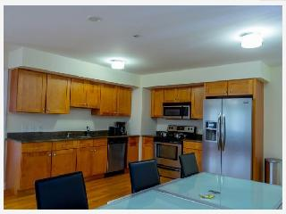 8Min drive to NYC, Up scale 2br/2bath Condo - Palisades Park vacation rentals