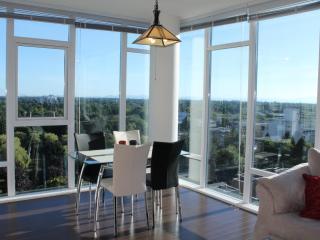 Gorgeous 2 BD/2 BA Suite @ Central Richmnond - Richmond vacation rentals