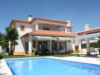 Villa with swimming pool in Azeitao near Lisbon - Azeitao vacation rentals
